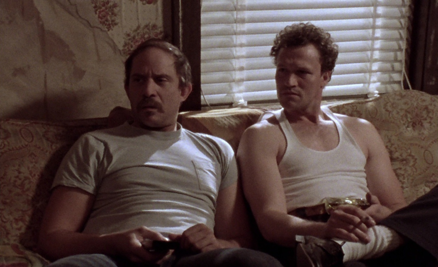 Tom Towles and Michael Rooker in Henry: Portrait of a Serial Killer